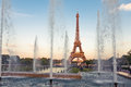 Eiffel tower la tour eiffel with fountains beautiful sunset landscape in paris Stock Photos