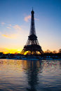 Eiffel tower and seine in paris over at sunrise Royalty Free Stock Photography
