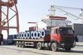 Ein einprogrammiert LKW im Hafen Stockfotografie