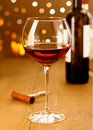 Elegant red wine with grapes Royalty Free Stock Photos