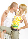 Embrassement des couples fascinants Photos stock
