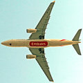 Emirates a overflying my house Royalty Free Stock Photos