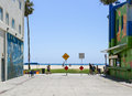 End of the road venice beach usa june a dead street between two houses in front pacific ocean with two signs saying and closed Stock Images