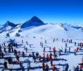 Esquiadores en invierno Imagen de archivo libre de regalías