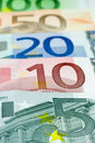 Euro allineamento - 5 euro Immagine Stock