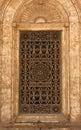 Fönster av den Cairo moskén Royaltyfri Bild