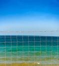 Förtjäna över waves för blå sky och havs Fotografering för Bildbyråer