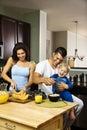 Rodina v kuchyňa
