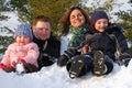 Familia en nieve banco