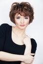 Fashion girl młoda kobieta pracowniany portret na bielu Obrazy Royalty Free