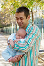 The father with the newborn son Royalty Free Stock Photos