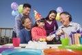 Festa de anos família da multi geração colorida Fotografia de Stock