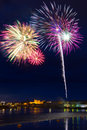 Feux d'artifice dans la ville de Limerick, Irlande Photo stock