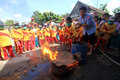 Fire quench elementary level school students sdii al abidin learn to extinguish the in solo central java indonesia thursday Stock Images