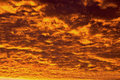 Fire in the sky sunset that sets clouds on Royalty Free Stock Images