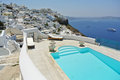 Firostefani romantic pool overlooking santorini island Royalty Free Stock Photography