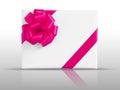 Fita cor de rosa da estrela na caixa do livro branco Fotografia de Stock