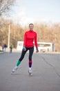 Flickaroller-skating på vägen Fotografering för Bildbyråer