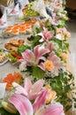 Flores e tabela comemorativo. Imagem de Stock Royalty Free
