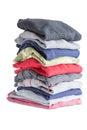 Plegado limpiar ropa en en blanco