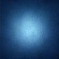 Fond bleu de saphir avec la frontière noire de vignette et projecteur central blanc avec le copyspace pour le texte ou l image Photo stock