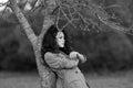 Foto blanco y negro de un modelo hermoso con el pelo largo Fotografía de archivo libre de regalías