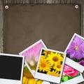 Foto's op het houten bureau Stock Afbeeldingen