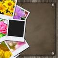Foto's op het houten bureau Stock Foto's