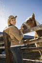 Frau mit Pferd. Stockfoto