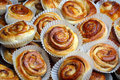 Fresh cinnamon buns photo of close up Royalty Free Stock Photography