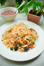 Fried glass noodles with tofu Royalty Free Stock Photos