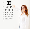 Friendly female optician Royalty Free Stock Photos