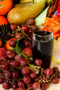 Fruit, jus de raisins rouge Photographie stock libre de droits