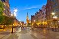 Gdansk con el ayuntamiento en la noche Imagen de archivo