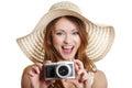 Gelukkige de zomervrouw die foto's maakt Stock Foto's