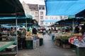 Gente de las compras en un mercado en poznán Fotografía de archivo