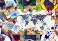 Gente que hace frente con a ejemplos globales de la foto de los conceptos Fotos de archivo