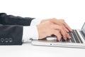 Geschäftsmann sitting working auf laptop Lizenzfreies Stockfoto