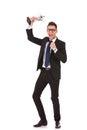 Geschäftsmann, der mit Trophäe feiert Lizenzfreies Stockfoto