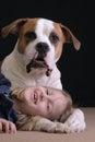 Chica y lo perro
