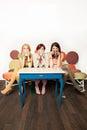 Girls drinking coffee Lizenzfreies Stockbild