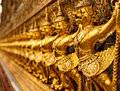 Gold Garuda Stockbild