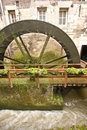 Grande rotation de water-wheel Images libres de droits