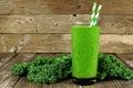 Zelený kel na drevo