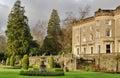 Grote Engelse Buitenhuis en tuin Stock Afbeelding
