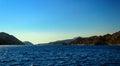 Härligt medelhavs landskap med yachten Arkivbilder
