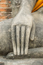 Hand av ruin bilden av buddha Arkivfoto