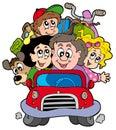 Feliz familia en coche en