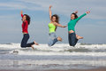 Happy youth group of at the beach Royalty Free Stock Photos