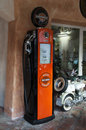 Harley davisson för bensinpump Arkivbild